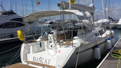 Rental Sailboat Bavaria 33 Cruiser Puntone di Scarlino