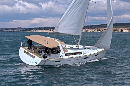 Sailboat Beneteau Oceanis 45 (2012) for hire