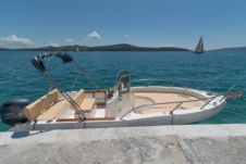 Capelli Cap 20 in Trogir for hire