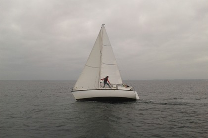 Hire Sailboat BENETEAU First 25 QR Locmiquélic