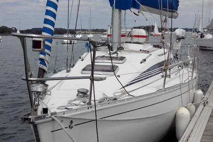 Hire Sailboat BENETEAU FIRST 285 La Rochelle