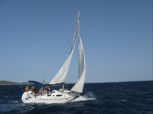Sailboat ALIAURA FEELING 32 peer-to-peer