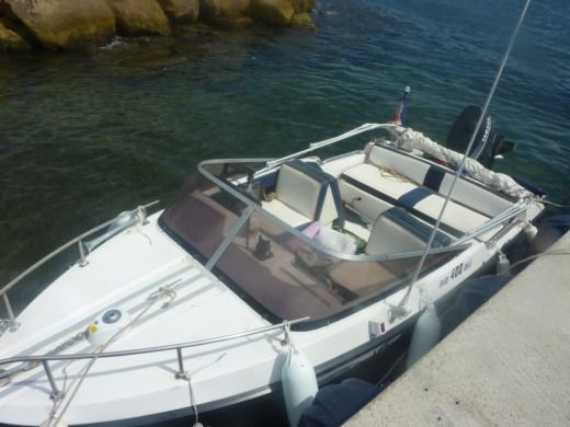Motorboat Rio 400 OLE for hire