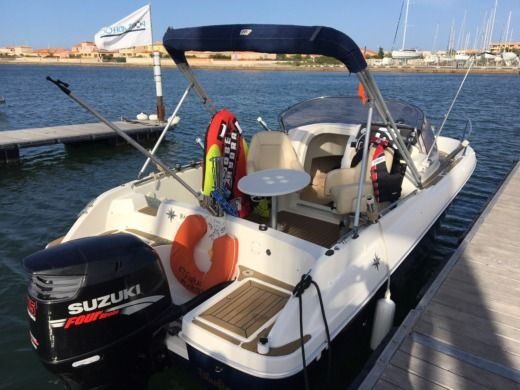 Charter motorboat in Leucate