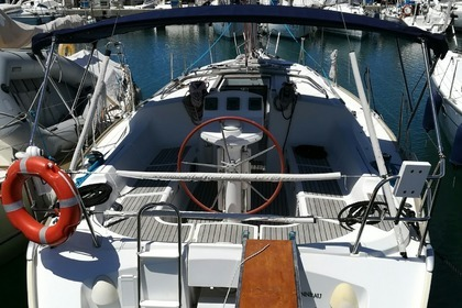 Hire Sailboat JEANNEAU Sun Odyssey 37 legend Tropea