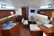 Beneteau Oceanis 45 in Athens for rental