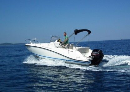 Rental Motorboat Quicksilver Activ 605 Six-Fours-les-Plages