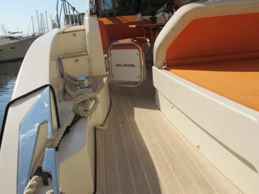 Motorboat Atlantis 48 for rental