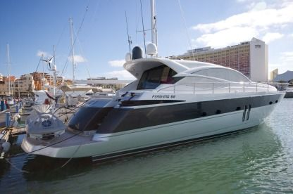 Charter Motorboat Pershing 62 Bacoli