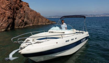 Charter Motorboat Rio 750 Sol Fréjus