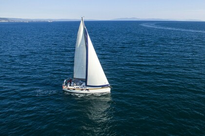 Hire Sailboat Jeanneau Sun Odyssey 44i Performance Volos