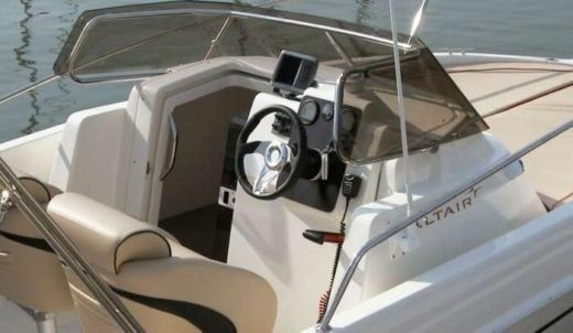 Charter Motorboat Altair Amber 6,5 Ibiza