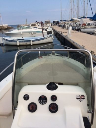 Motorboat CAPELLI Cap 17 for hire