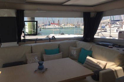Location Catamaran FOUNTAINE PAJOT HELIA 44 Ajaccio