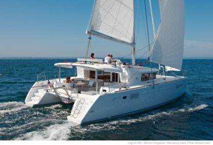 Location Catamaran Lagoon 450  Flybridge A Porto Pozzo