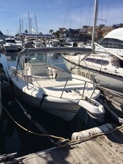 Charter motorboat in Ajaccio peer-to-peer