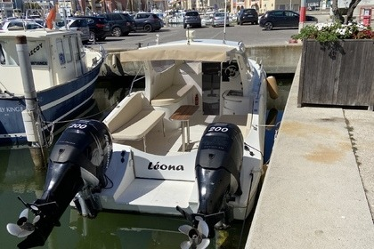 Rental Motorboat Commande cat Commencer Carnon