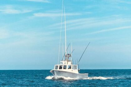 Hire Motorboat Downeast 36' Chatham