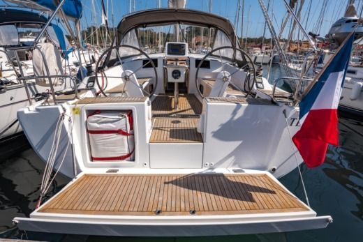 Sailboat HANSE 385 peer-to-peer