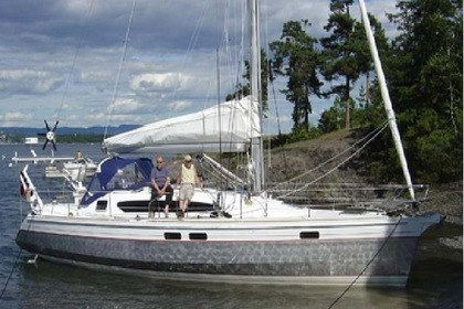 Hire Sailboat OVNI 395 Pointe-a-Pitre