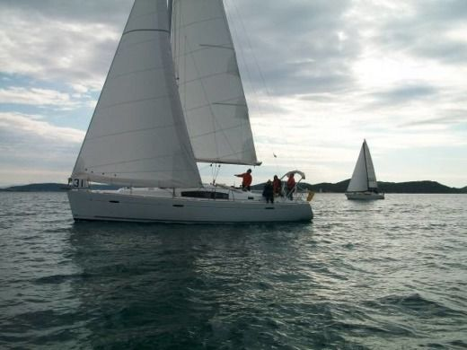 Sailboat SPBI - Beneteau Oceanis 43 Family for hire