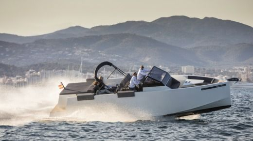 Motorboat De Antonio Yachts D33 Open for hire