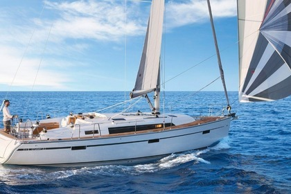 Hire Sailboat Bavaria 41 Cruiser Cascais