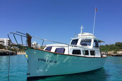 Hire Motorboat Majoni 45 Capeador Cala d'Or