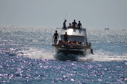 Motorboot Posillipo Antigua 38 Fly zu vermieten