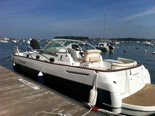 Beneteau Ombrine 801 in Dinard for hire