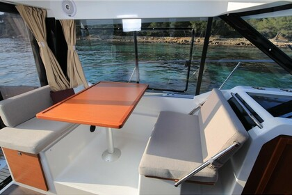 Hire Motorboat Merry Fisher 895 Pula