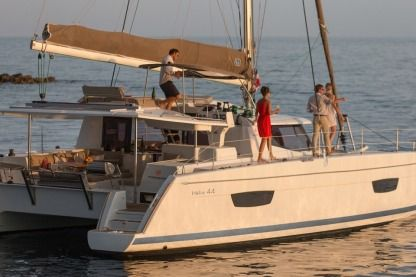 Charter Catamaran Fountaine Pajot Helia 44 Evolution Seychelles