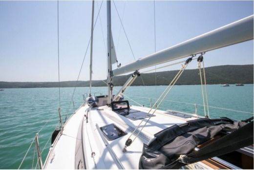 Charter Sailboat Bavaria 37  Cruiser Pula