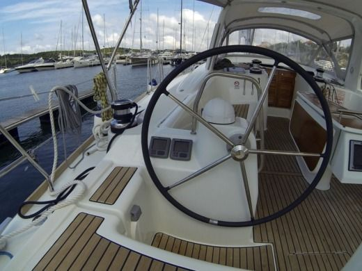 Sailboat Beneteau 50 Family for hire