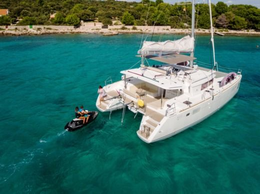 Beneteau Lagoon 450 Luxury Lu Lu in Trogir for rental