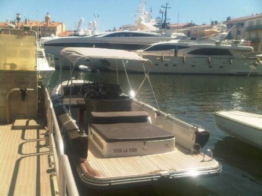EXPRESSION BOAT Expression 25 in Fréjus for hire
