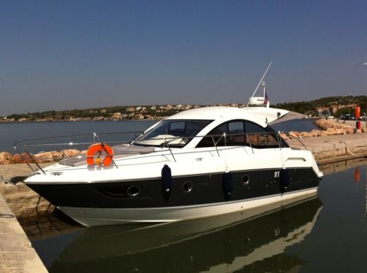 Motorboat BENETEAU GT 34 for hire