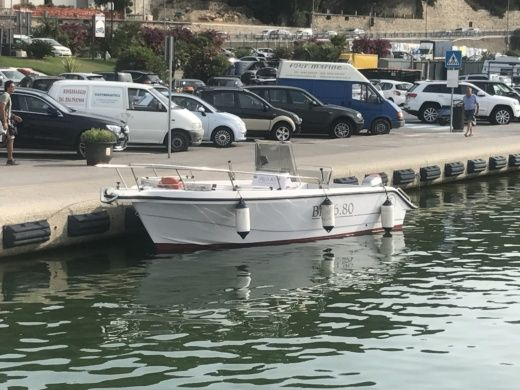 Charter motorboat in Andora