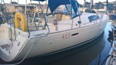 Charter Sailboat Beneteau Cyclades 433 Rodney Bay