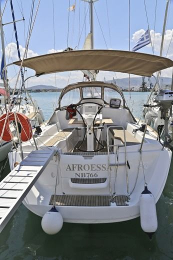 Jeanneau Sun Odyssey 33I in Loutraki for hire