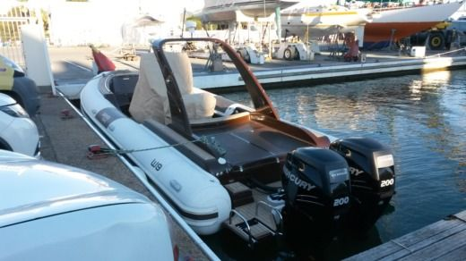 Wimbi Boats W9 in Grimaud for hire