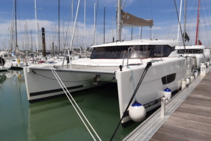 Rental Sailboat Fountaine Pajot Lucia 40 La Rochelle