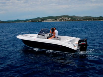 Charter Motorboat Atlantic Marine Open 670 Trogir