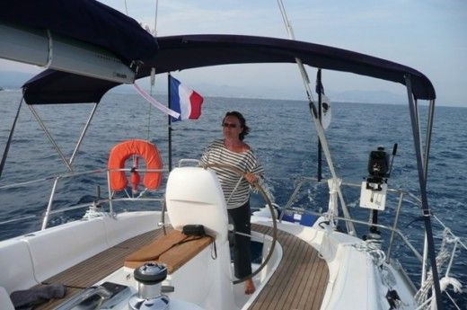 BAVARIA 33 Cruiser in Saint-Mandrier-sur-Mer for hire