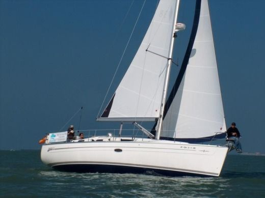 CRUISER BAVARIA 38 in Cadix for hire