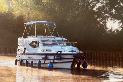 Rental Motorboat HAINES MARINE HAINES 38 CHARTER Toul