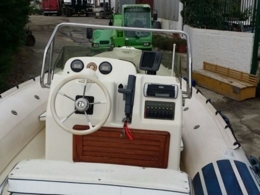 Joker Boat Coaster 650 in Reggio de Calabre for hire