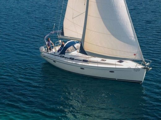 Sailboat BAVARIA 42 for hire