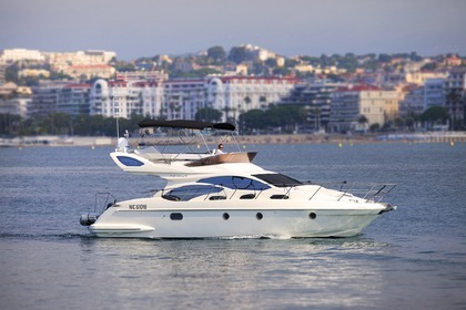 Rental Motorboat AZIMUT 43 FLY Cannes