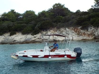 Rental Motorboat Fisherman Blumax 550 Vela Luka